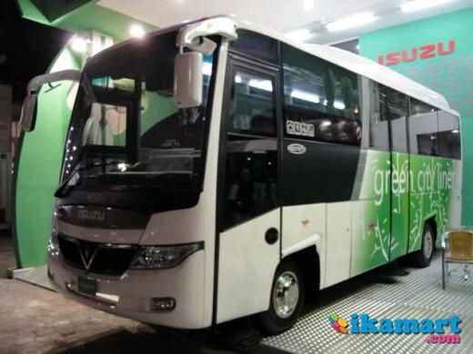 isuzu_nqr_71_medium_bus