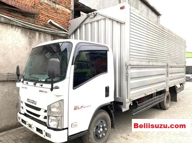 truk isuzu wing box