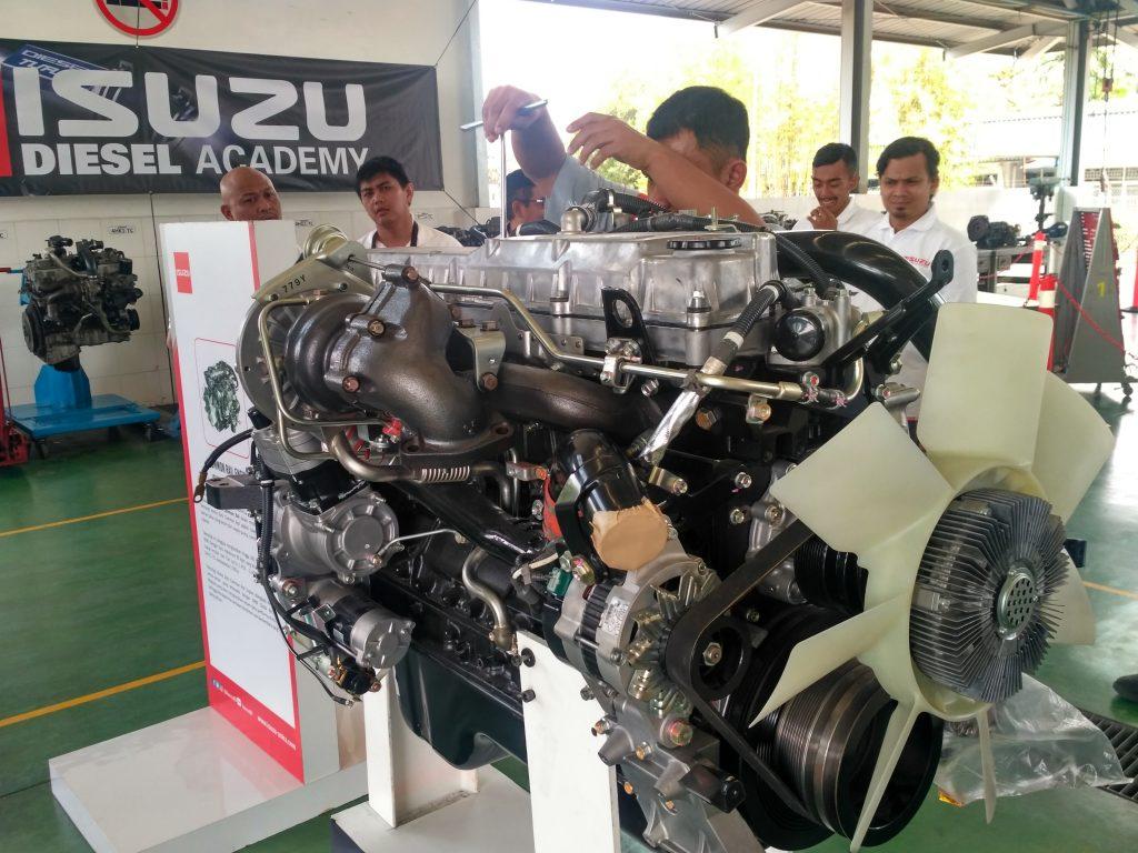 commonrail engine isuzu