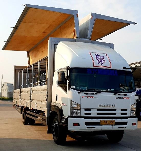 truk isuz wing box